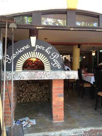 Hotel Virrey Park: This is where they cook the pizzas