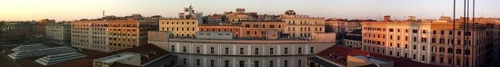 Radisson Blu es. Hotel, Roma: Rooftop view at sunrise
