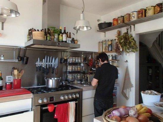 Yves Nicolier Sandrock: La cocina de Yves (Yves' kitchen)