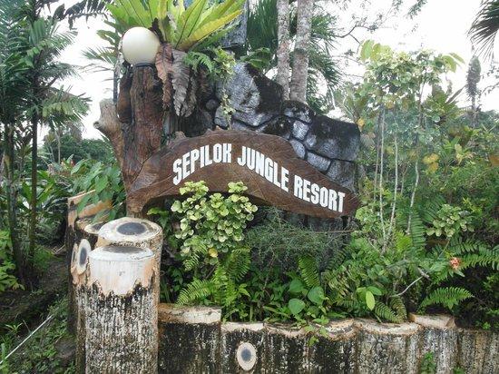 Sepilok Jungle Resort: Resort Entrance