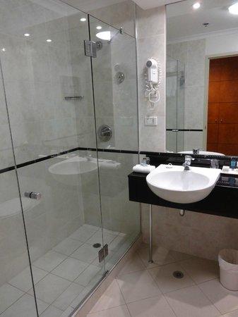 The Grace Hotel Sydney : Badezimmer