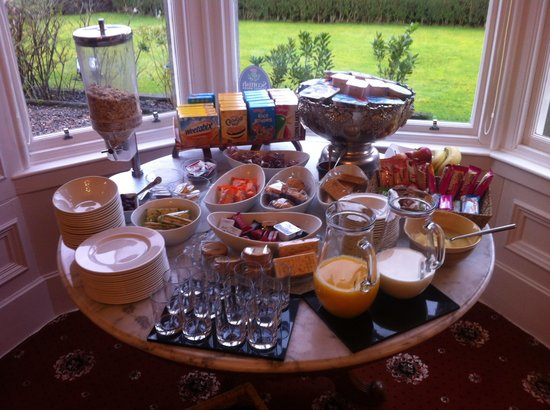 Buccleuch Guest House: Breakfast buffet table