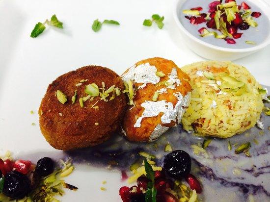 The Restaurant: YOUR FAVOURITE DESSERT IN A NEW AVATAR-- GAJAR KA HALWA