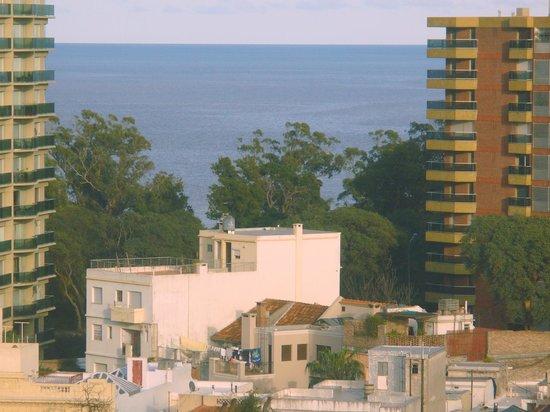 Sheraton Montevideo Hotel: Vista al Rio de la Plata desde la habitación