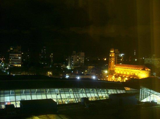 Sheraton Montevideo Hotel: Vista nocturna desde la habitacion