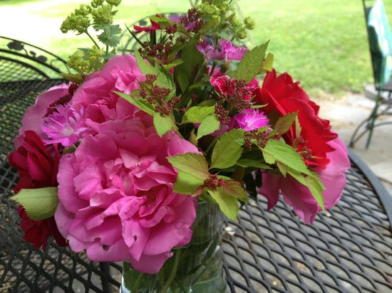 Hasbrouck House: Flowers from the garden