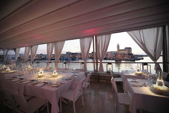 Photo of Italian Restaurant Le Lampare al Fortino at Via Statuti Marittimi, 124, Trani 70059, Italy