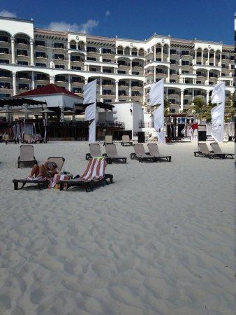 Hyatt Zilara Cancun : A Great Week at the Beach!