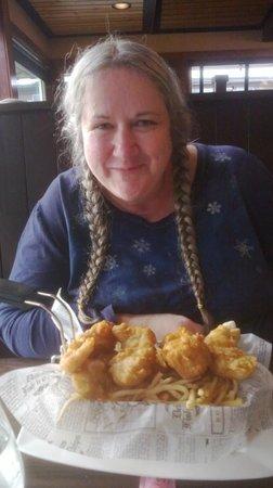 Wayfarer Restaurant: A happy smile and Fish N' Chips!