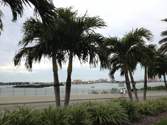 Clearwater Beach : Nice drive over to the beach.
