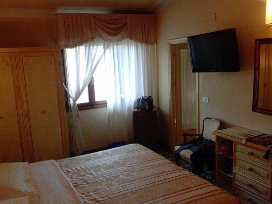 Palazzo dal Borgo Hotel Aprile: Camera doppia