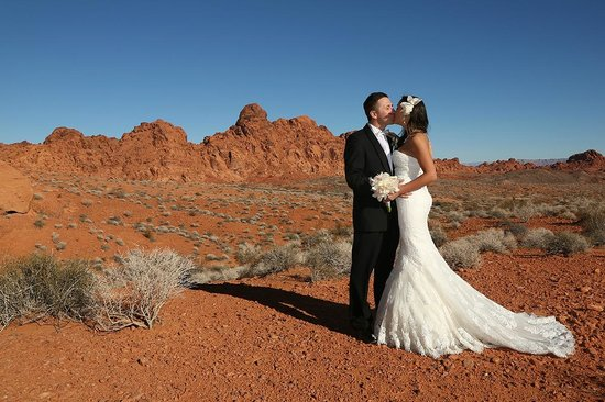 Scenic Las Vegas Weddings Chapel Wedding Photos