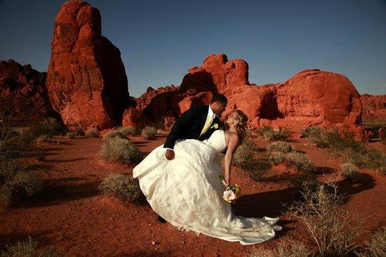 Scenic Las Vegas Weddings Chapel: Unique Las Vegas Weddings