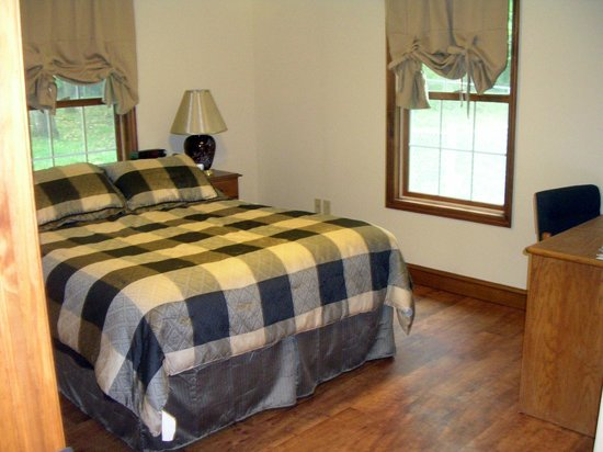 Greenwood Hill Farm : One of our Queen Rooms