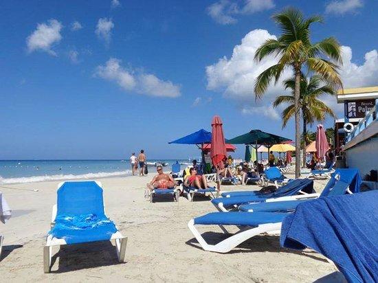 Donaldson's Inn on the Beach: fabulous beach