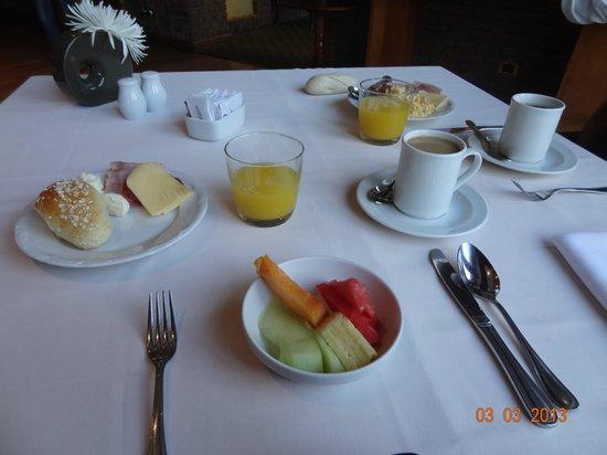 NH Collection Plaza Santiago: desayuno