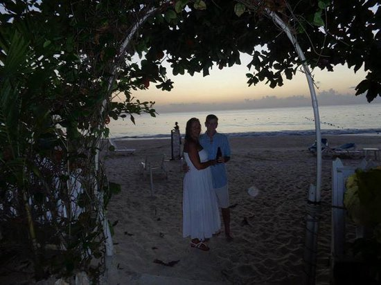 Donaldson's Inn on the Beach: the perfect spot for honeymooners
