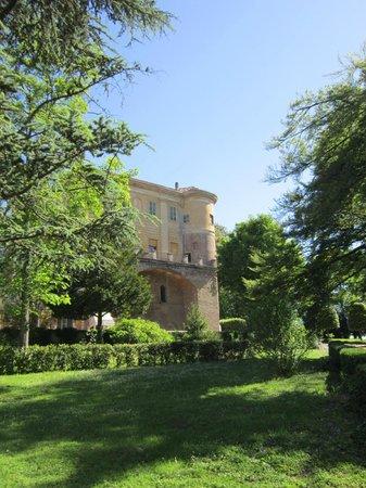 Il Castello di Uviglie: Scorcio del castello