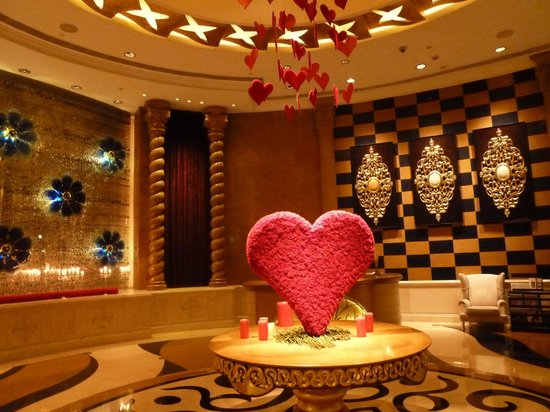 Valentine 39 s decoration from the hotel picture of for Valentines day ideas for hotels