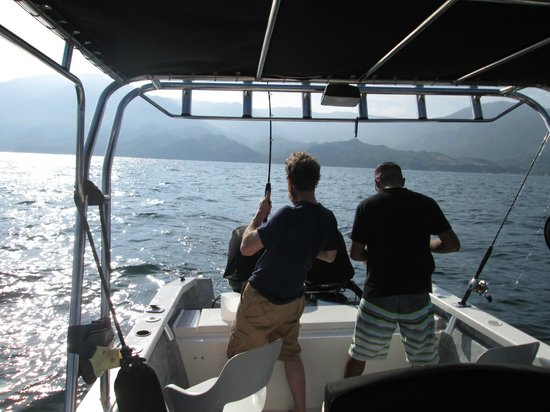 MiraMar Excursions: Yelapa fishing