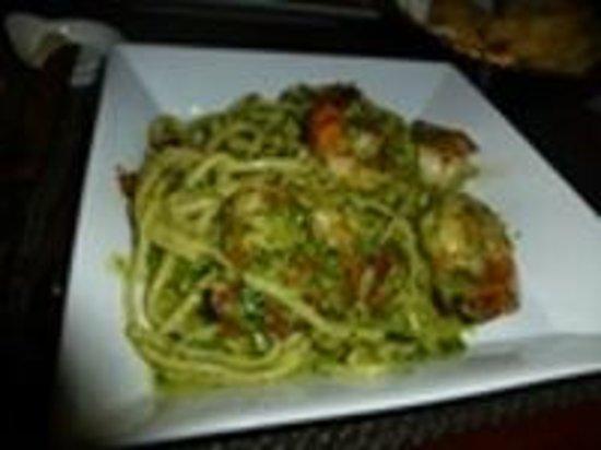 Piazza Pascal : shrimp pesto
