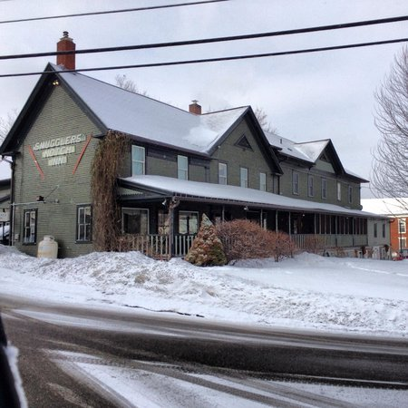 Smuggler's Notch Inn : front