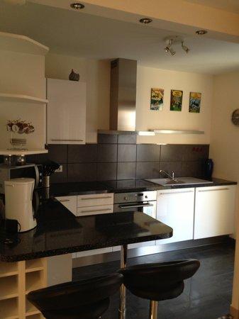 Riviera Eden Palace: Appartement - Cuisine