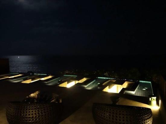Silavadee Pool Spa Resort: rooftopat night