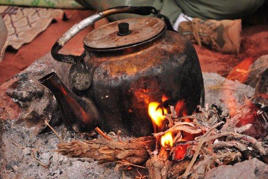 Wadi Rum Galaxy Camp: Bedouin tea prepared on the open-fire