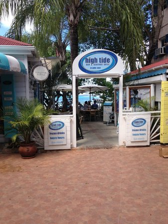 High Tide Bar & Seafood Grill : High Tide entrance