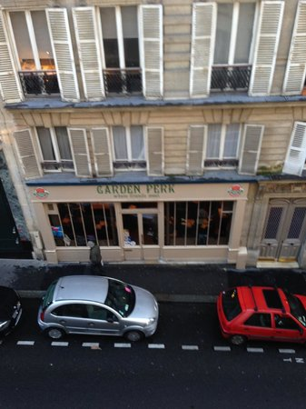 Hotel Cujas Pantheon : looking directly out our windows onto a local coffee shop