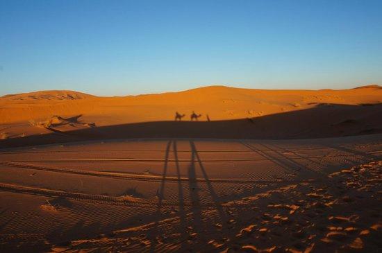 Riad Nezha : Sunsetting during the camel trek