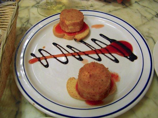 Bar Estrella: Nice food presentation.