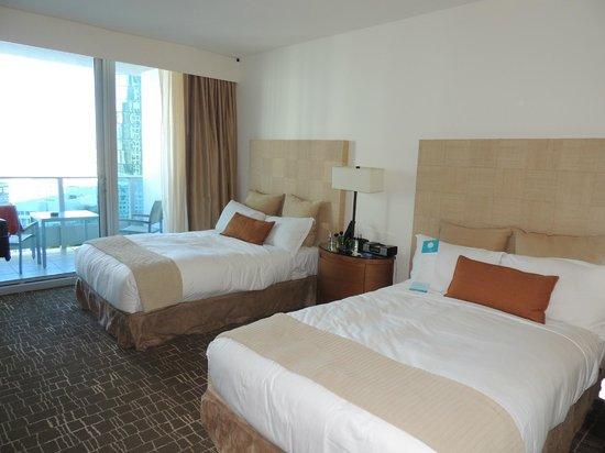 Kimpton EPIC Hotel : camas