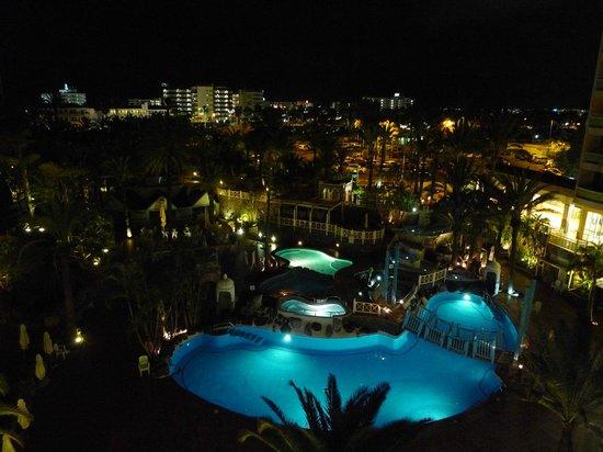 IFA Buenaventura Hotel: By Night