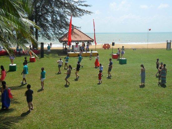 Club Med Cherating Beach : Zumba & BBQ by the beach