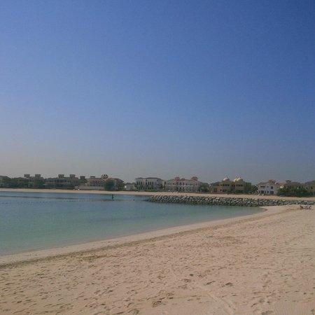AVANI Deira Dubai Hotel: Such a beautiful beach!