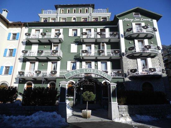 Hotel San Lorenzo: Facciata dell'hotel di giorno