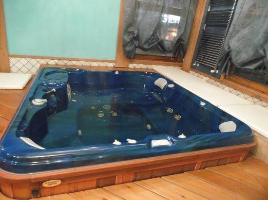 Hotel San Lorenzo: Vasca idromassaggio nella SPA dell'hotel