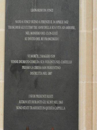 Chateau d'Amboise: Placa sobre o tumulo de Leonardo da Vinci