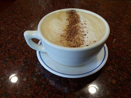 Sausalito Bakery & Cafe: 由一杯good latte 開始,老板很親切。