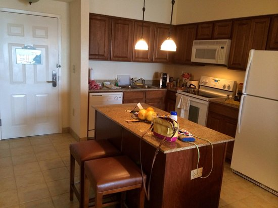 Floridays Resort Orlando: Kitchen has everything - just add your food