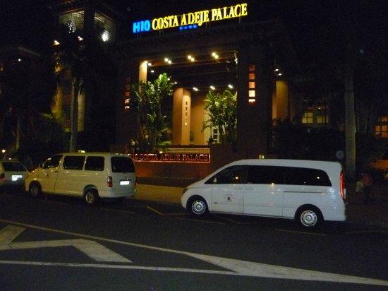 H10 Costa Adeje Palace : Hotel bei Nacht, Haupteingang