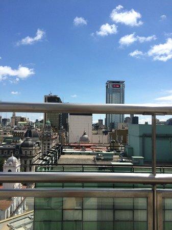 NH Buenos Aires City: Vista de la alberca