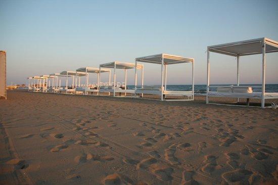 Adam & Eve Hotel : Пляж