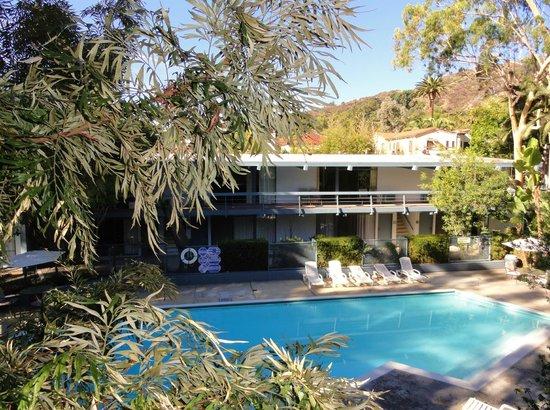 Highland Gardens Hotel : jardins + piscine