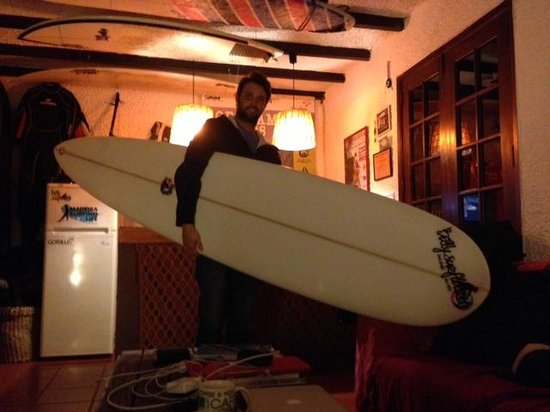 Madeira Surfing Life - Hostel & School : Me and my brand new longboard shaped by Billy