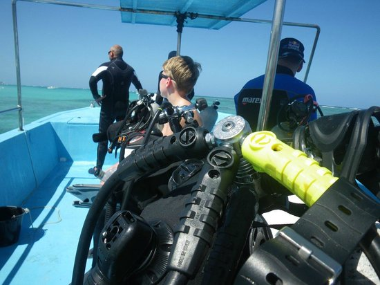 Pelicano Water Sports: direction vers l'ASTRON