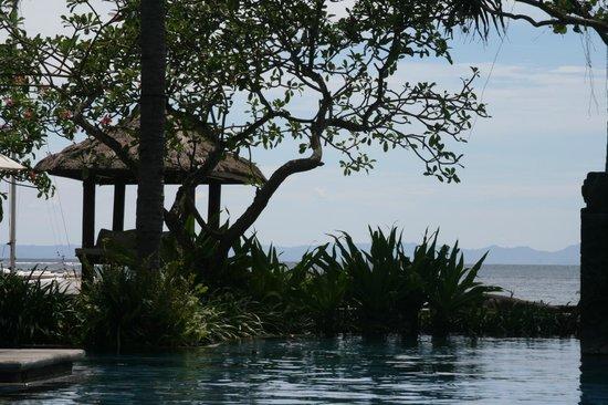 Sheraton Senggigi Beach Resort: vue de la piscine