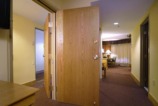 Grand Lodge Crested Butte Pitkin Suite - Adjoining door & Pitkin Suite - Adjoining door - Picture of Grand Lodge Crested ...